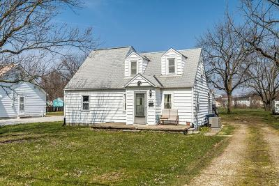 Hilliard Single Family Home Contingent Finance And Inspect: 4878 Jeannette Road