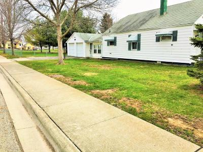 Grove City Single Family Home Contingent Finance And Inspect: 3644 Midland Street