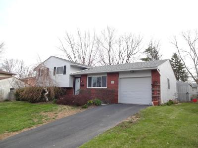 Reynoldsburg Single Family Home Contingent Finance And Inspect: 1528 Valley Drive
