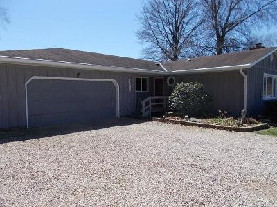 Lancaster Single Family Home Contingent Finance And Inspect: 2195 Bauman Hill Road SE