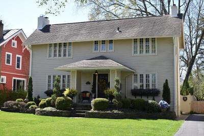 Clintonville Single Family Home Contingent Finance And Inspect: 341 Oakland Park Avenue