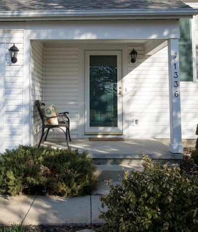 Marysville Single Family Home Contingent Finance And Inspect: 1336 Village Drive