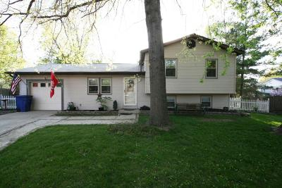 Single Family Home For Sale: 611 Congress Court