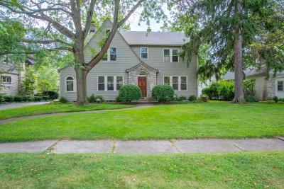 Columbus Single Family Home For Sale: 2399 Kensington Drive