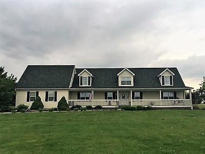 Circleville OH Single Family Home For Sale: $269,900