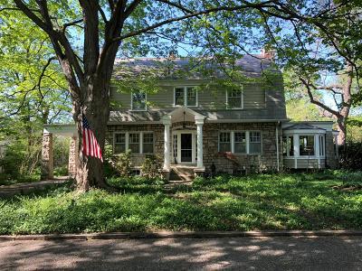 Columbus Single Family Home For Sale: 162 W Jeffrey Place