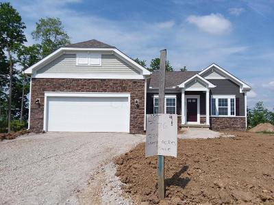 Johnstown Single Family Home Sold: 334 Green Acres Place #276
