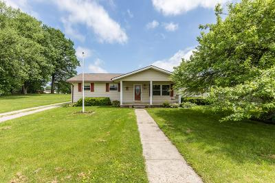 Frazeysburg Single Family Home For Sale: 184 S State Street