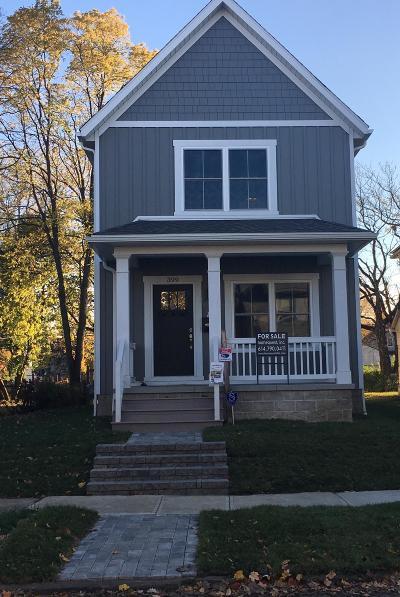 Columbus Single Family Home For Sale: 399 E Markison Avenue