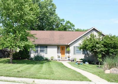 Rushville Single Family Home For Sale: 3265 Oak Leaf Lane