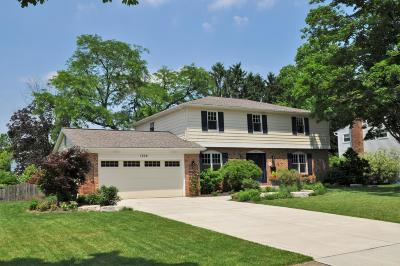 Upper Arlington Single Family Home Contingent Finance And Inspect: 1306 Darcann Drive