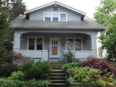 Clintonville Single Family Home Contingent Finance And Inspect: 123 W Lakeview Avenue