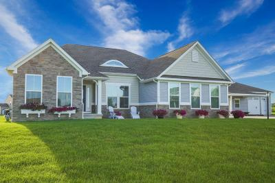 Pataskala Single Family Home Contingent Finance And Inspect: 120 York Gate Drive