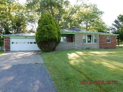 Mount Vernon Single Family Home Contingent Finance And Inspect: 8260 Newark Road