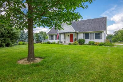 Reynoldsburg Single Family Home Contingent Finance And Inspect: 1122 Lancaster Avenue
