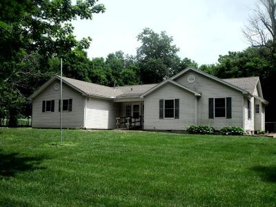 Stoutsville Single Family Home Contingent Finance And Inspect: 9434 Dozer Road SW