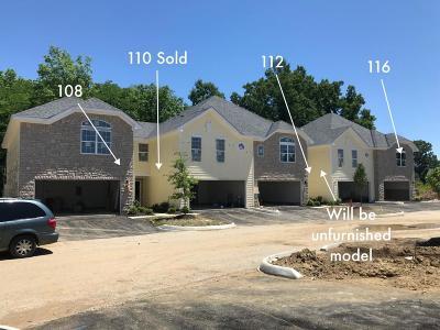 Delaware Condo For Sale: 112 Lakes At Cheshire Drive