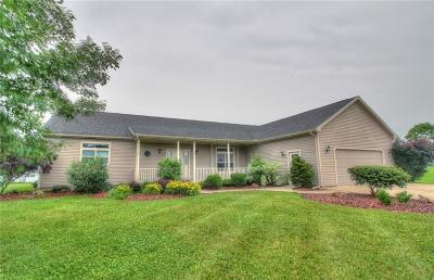 Nashport Single Family Home Contingent Finance And Inspect: 2831 Sams Way