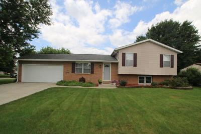 Newark Single Family Home Contingent Finance And Inspect: 1565 Constitution Drive