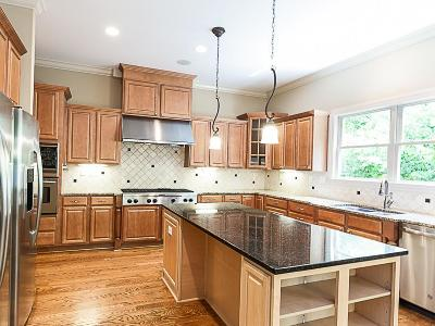 Delaware Single Family Home For Sale: 4686 Olentangy River Road