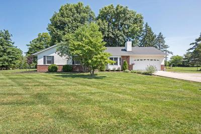 Reynoldsburg Single Family Home Contingent Finance And Inspect: 138 Lakeview Drive SW