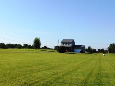 Marengo Single Family Home Contingent Finance And Inspect: 4740 Township Rd 232