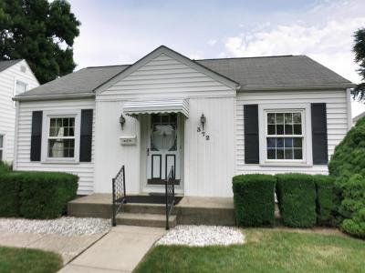 Clintonville Single Family Home Contingent Finance And Inspect: 372 E Jeffrey Place
