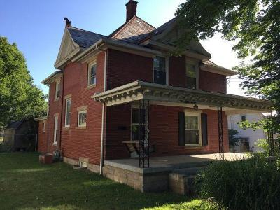 Mount Vernon Single Family Home For Sale: 213 Coshocton Avenue
