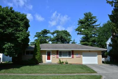 Reynoldsburg Single Family Home Contingent Finance And Inspect: 1549 Southwood Avenue