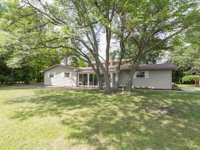 Lewis Center Single Family Home For Sale: 2865 E Orange Road