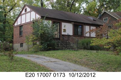 Dayton Single Family Home For Sale: 318 Springbrook Boulevard