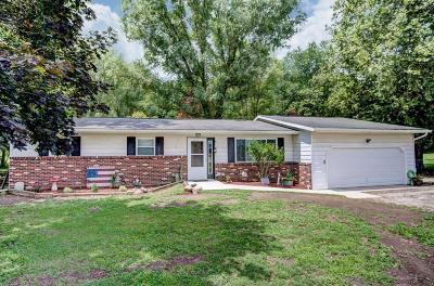 Nashport Single Family Home For Sale: 18400 Marne Road