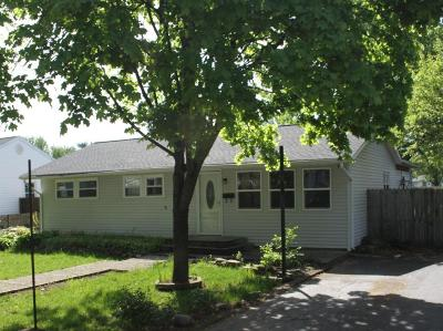Columbus Single Family Home For Sale: 403 Maple Drive