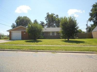 Reynoldsburg Single Family Home Contingent Finance And Inspect: 6777 Retton Road