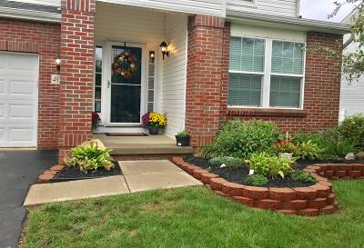 Grove City Single Family Home For Sale: 4927 Adwell Loop