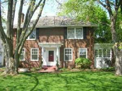 Upper Arlington Single Family Home Contingent Finance And Inspect: 1901 Coventry Road