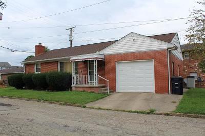 Lancaster Single Family Home For Sale: 212 Oakwood Avenue