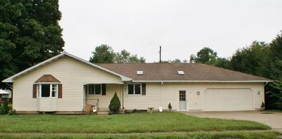 Howard Single Family Home For Sale: 26199 Coshocton Road