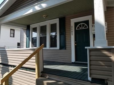 Columbus Single Family Home For Sale: 2582 Sullivant Avenue