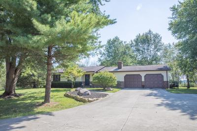 Lancaster Single Family Home For Sale: 909 Ginder Road NW