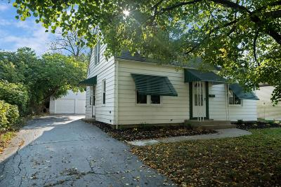 Columbus Single Family Home Contingent Finance And Inspect: 130 N Everett Avenue