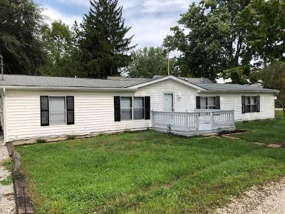 Pataskala Single Family Home Contingent Finance And Inspect: 235 S Vine Street