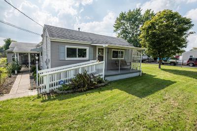 Grove City Single Family Home For Sale: 3879 Casa Boulevard