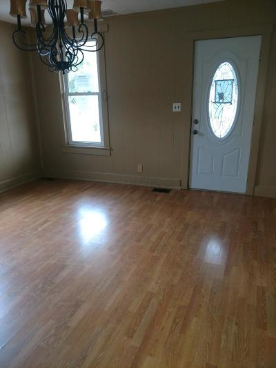 Circleville OH Single Family Home For Sale: $85,500