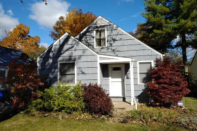 Clintonville Single Family Home For Sale: 302 Fairway Drive