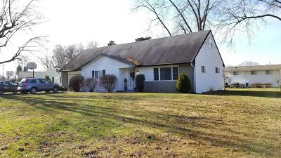 Franklin County, Delaware County, Fairfield County, Hocking County, Licking County, Madison County, Morrow County, Perry County, Pickaway County, Union County Single Family Home For Sale: 585 Edgewood Drive
