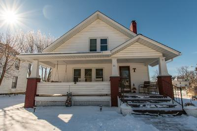 London Single Family Home For Sale: 33 Maple Street
