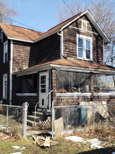 Newark Single Family Home For Sale: 168 E Church Street