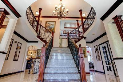 Pickerington Single Family Home For Sale: 7044 Optimara Drive
