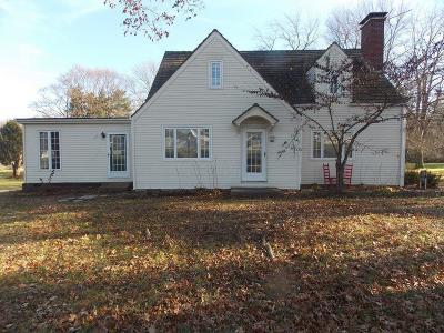 Lancaster Single Family Home For Sale: 1275 Cincinnati Zanesville Road SW